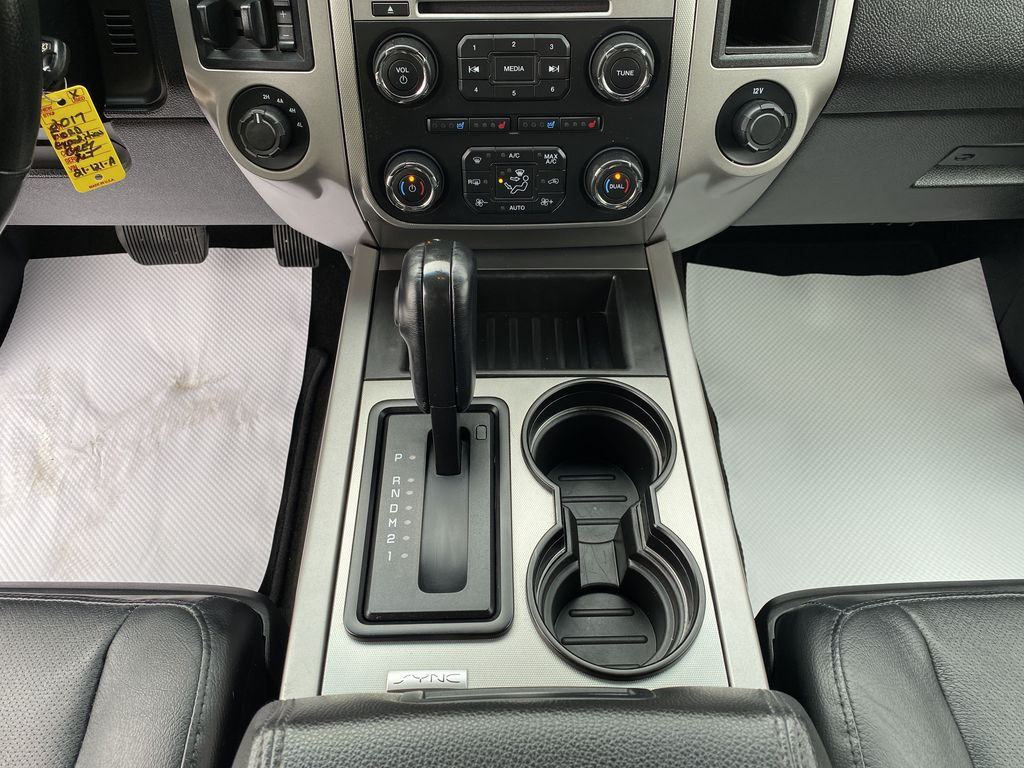 2017 Ford Expedition Center Console/Charge Ports in Nipawin SK