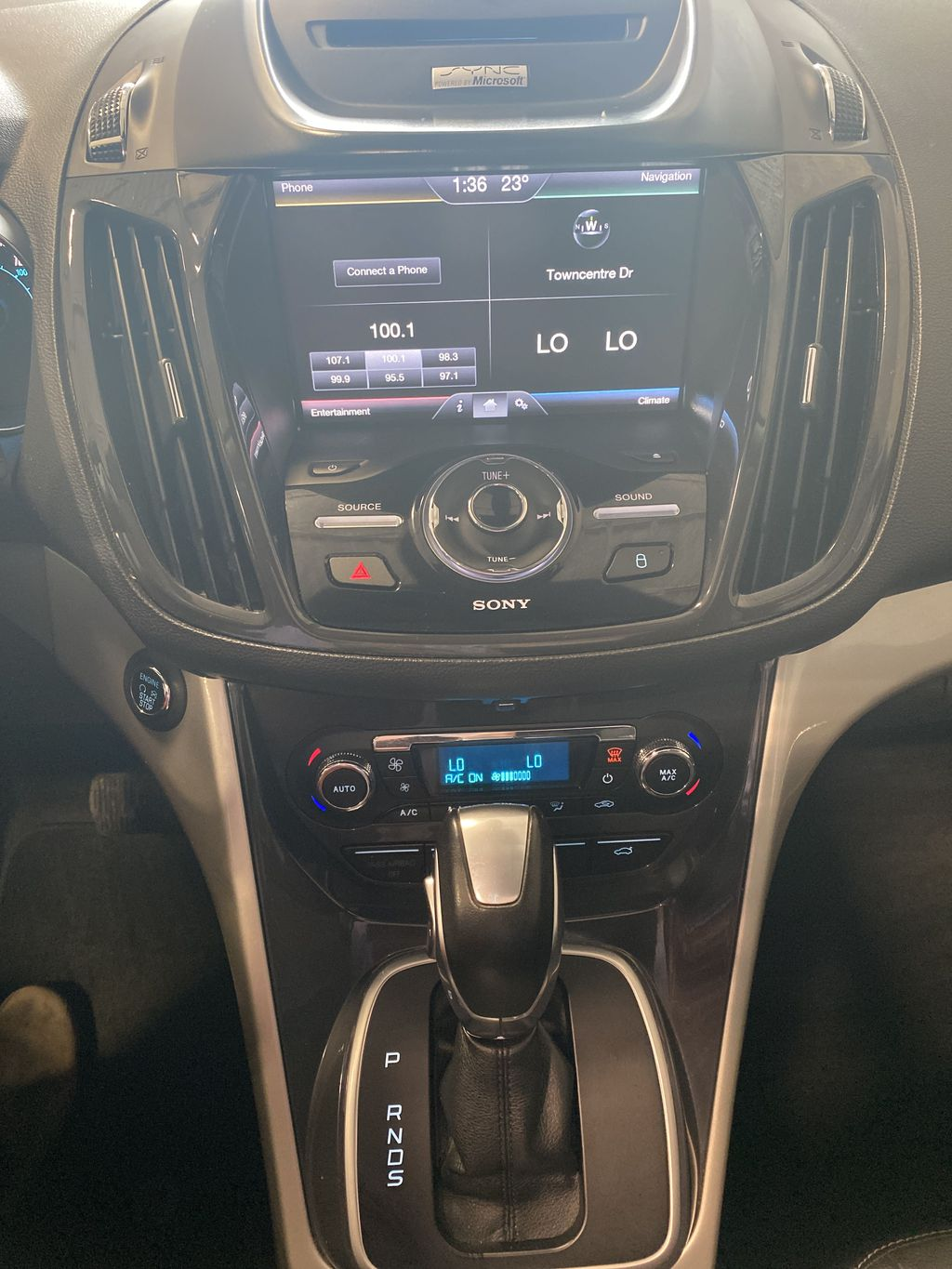 Silver[Ingot Silver Metallic] 2013 Ford Escape Central Dash Options Photo in Belleville ON