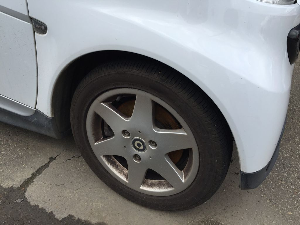 White[Crystal White Matte] 2014 smart fortwo Right Rear Corner Photo in Sherwood Park AB