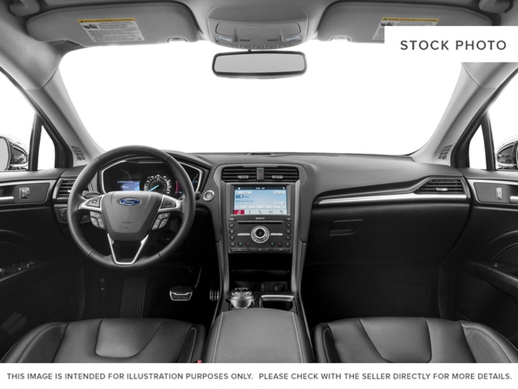 White[Oxford White] 2018 Ford Fusion Central Dash Options Photo in Dartmouth NS