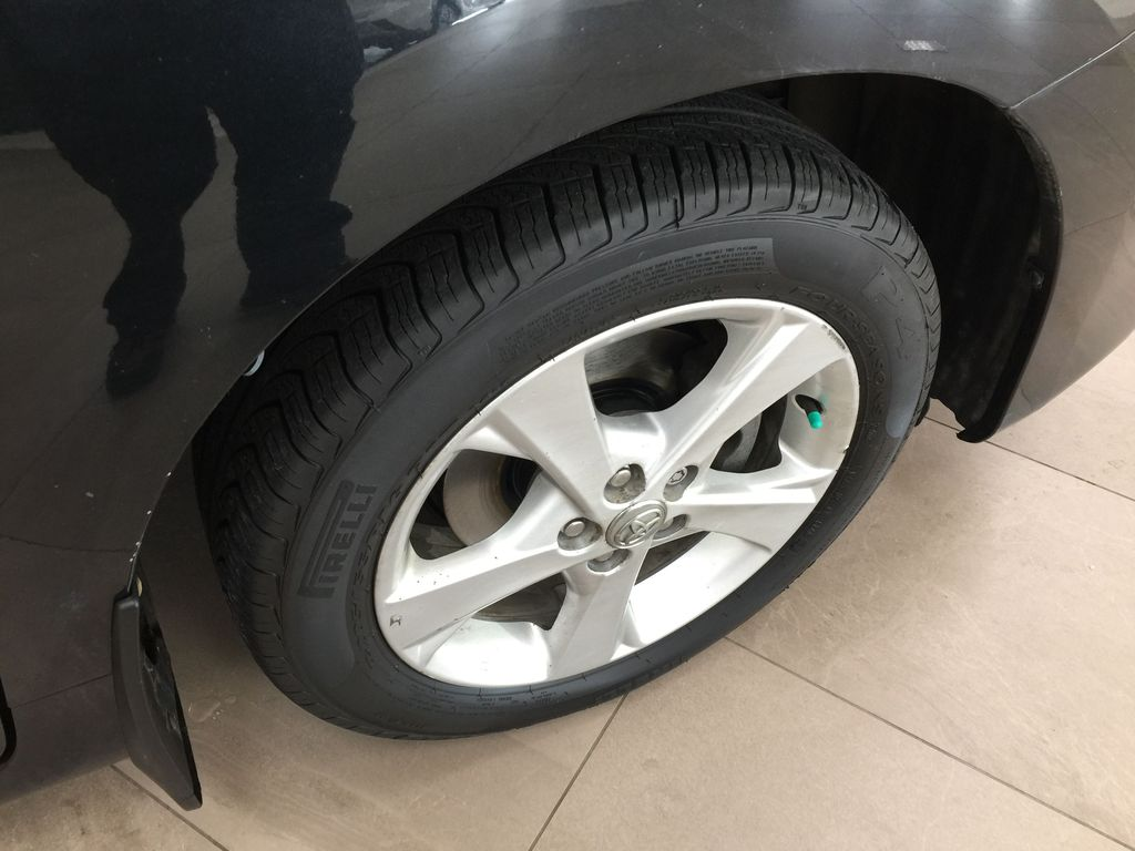 Black[Black Sand Pearl] 2014 Toyota Matrix / AUTOMATIC Right Front Rim and Tire Photo in Sherwood Park AB
