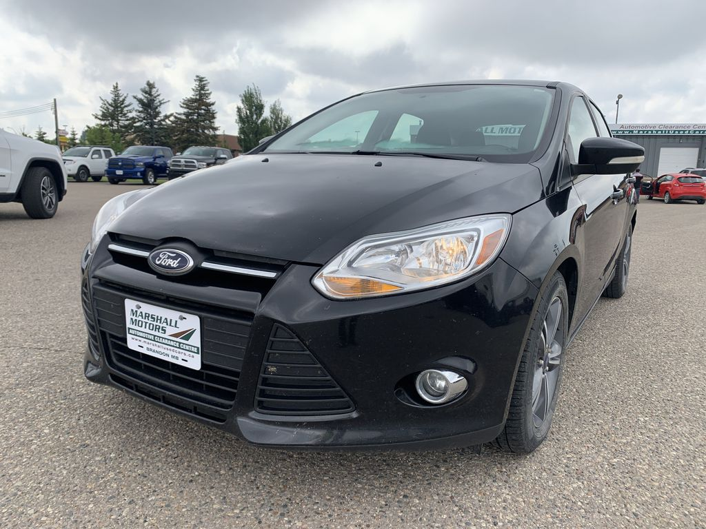 Black 2014 Ford Focus 5dr HB SE *Just Traded!* *Heated Seats* *Bluetooth* Left Front Head Light / Bumper and Grill in Brandon MB