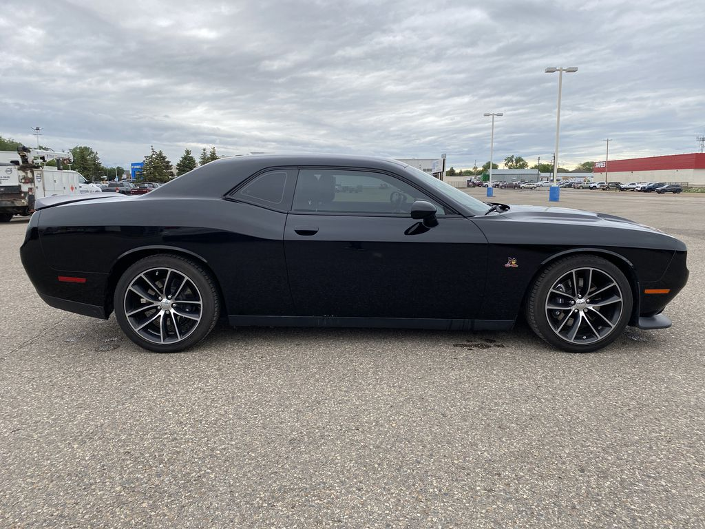 Black[Pitch Black] 2016 Dodge Challenger 2dr Cpe Scat Pack *6.4L V8 485HP* *Launch Mode* Right Side Photo in Brandon MB