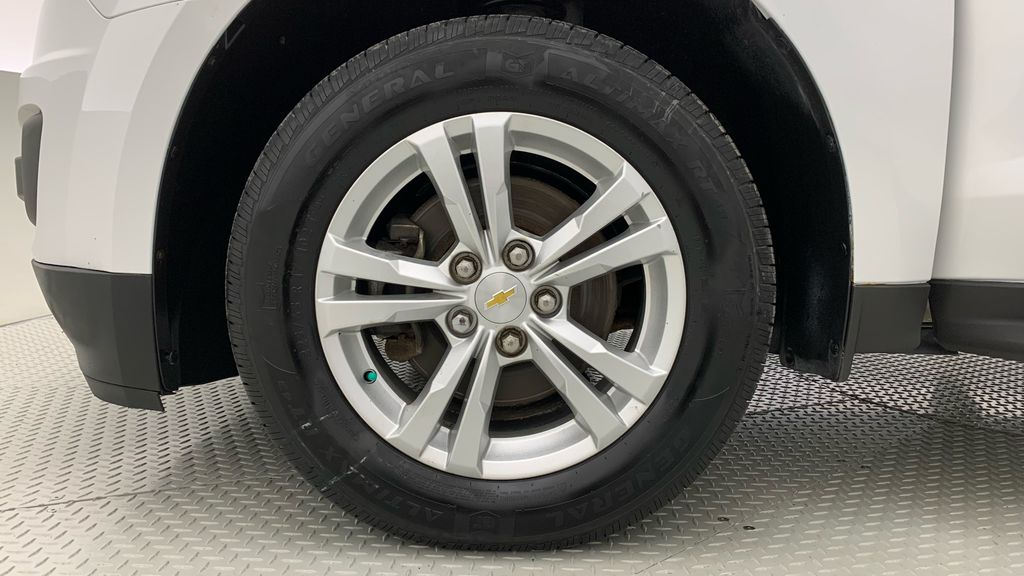 White[Summit White] 2015 Chevrolet Equinox LS - ONE OWNER, SiriusXM, Alloy Wheels Left Front Rim and Tire Photo in Winnipeg MB