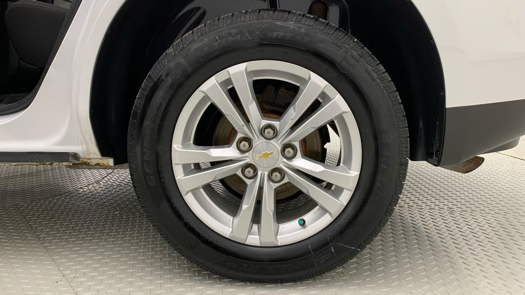White[Summit White] 2015 Chevrolet Equinox LS - ONE OWNER, SiriusXM, Alloy Wheels Left Rear Rim and Tire Photo in Winnipeg MB
