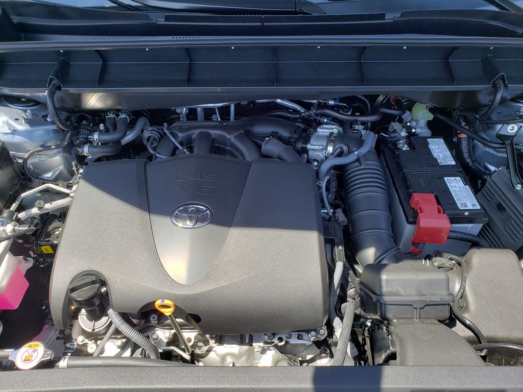 Gray[Moon Dust] 2021 Toyota Highlander Engine Compartment Photo in Kelowna BC