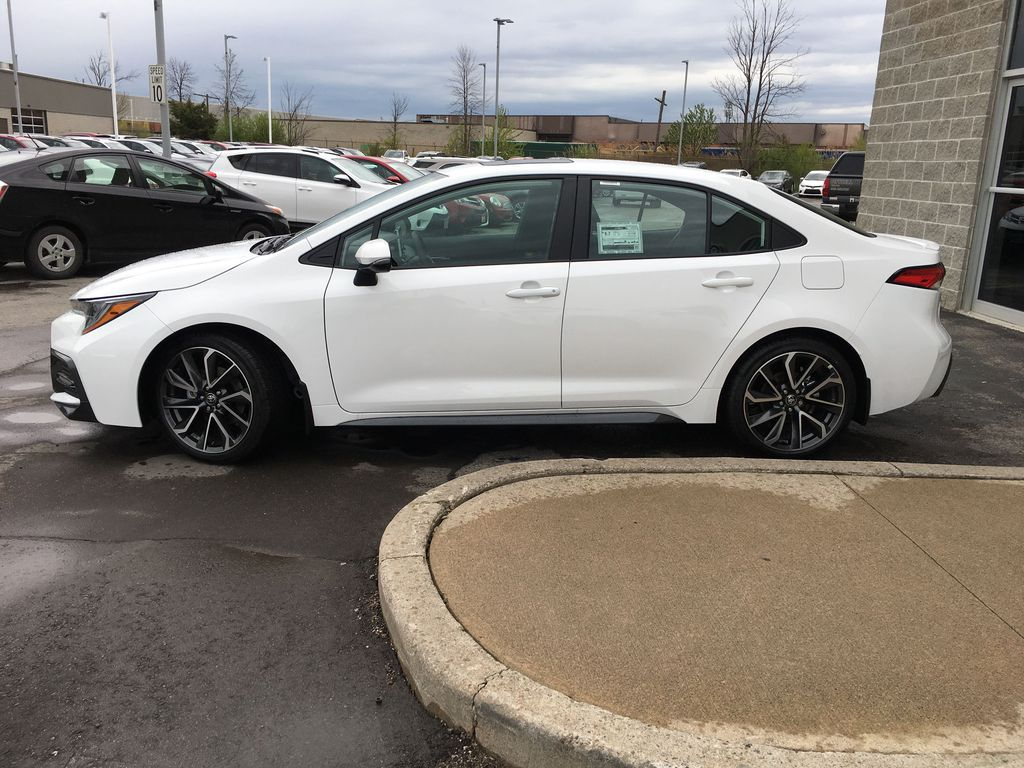 White[Blizzard Pearl w/Black Roof] 2021 Toyota Corolla SE Upgrade Package B4RBSC BM Engine Compartment Photo in Brampton ON