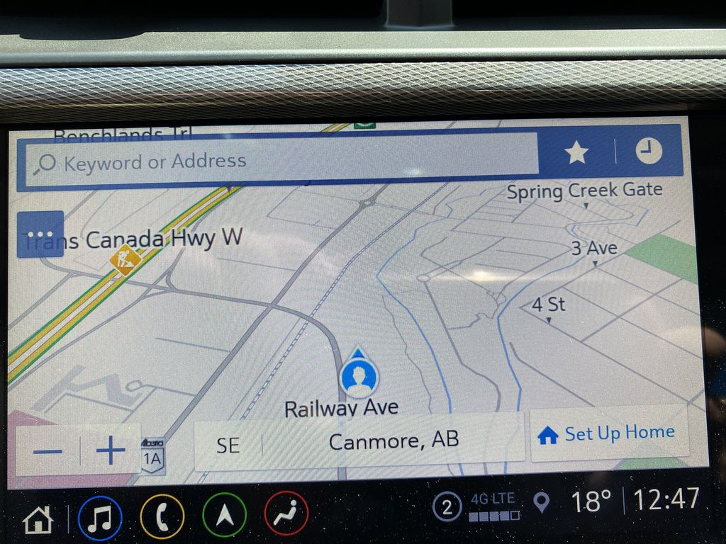 White[Summit White] 2021 Buick Encore GX Navigation Screen Closeup Photo in Canmore AB
