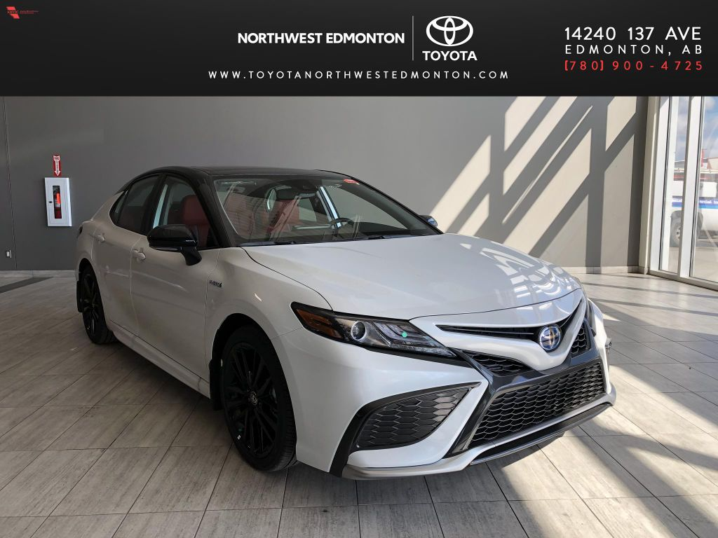 Wind Chill w/ Black Roof 2021 Toyota Camry Hybrid XSE