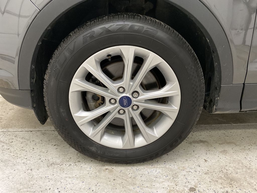 GRAY 2017 Ford Escape Left Front Rim and Tire Photo in Dartmouth NS
