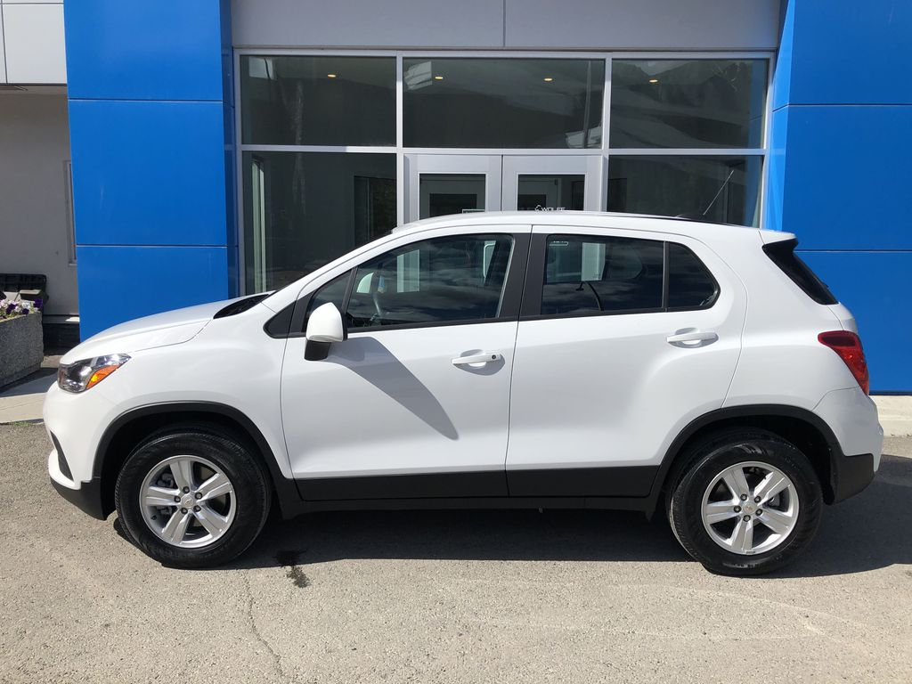 White[Summit White] 2020 Chevrolet Trax Left Side Photo in Canmore AB