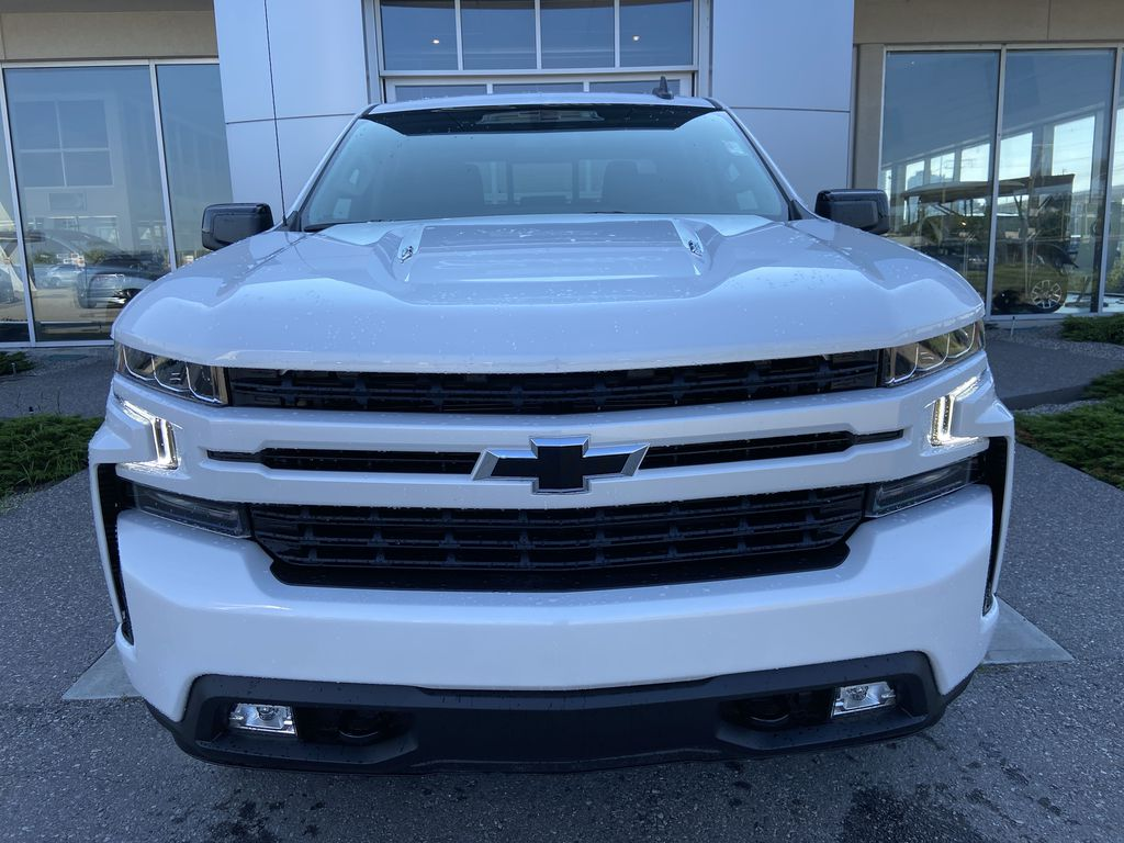 White[Iridescent Pearl Tricoat] 2021 Chevrolet Silverado 1500 RST Front Vehicle Photo in Calgary AB