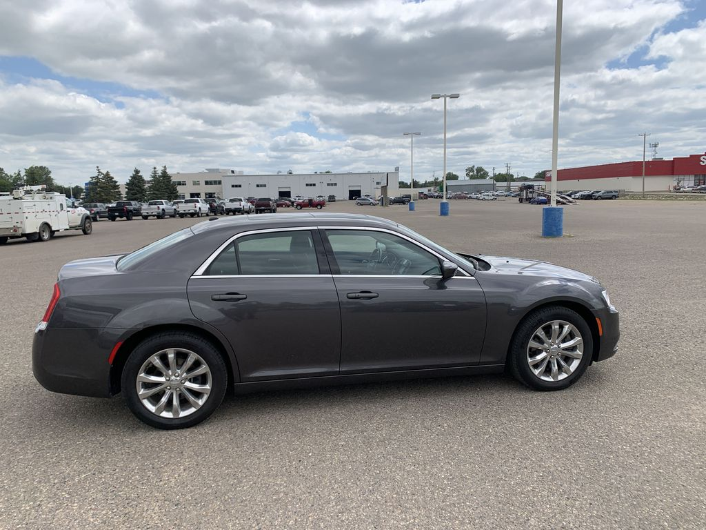 Gray[Granite Crystal Metallic] 2017 Chrysler 3004dr Sdn Touring AWD *Cruise* *TouchScreen* *A/C* Right Side Photo in Brandon MB