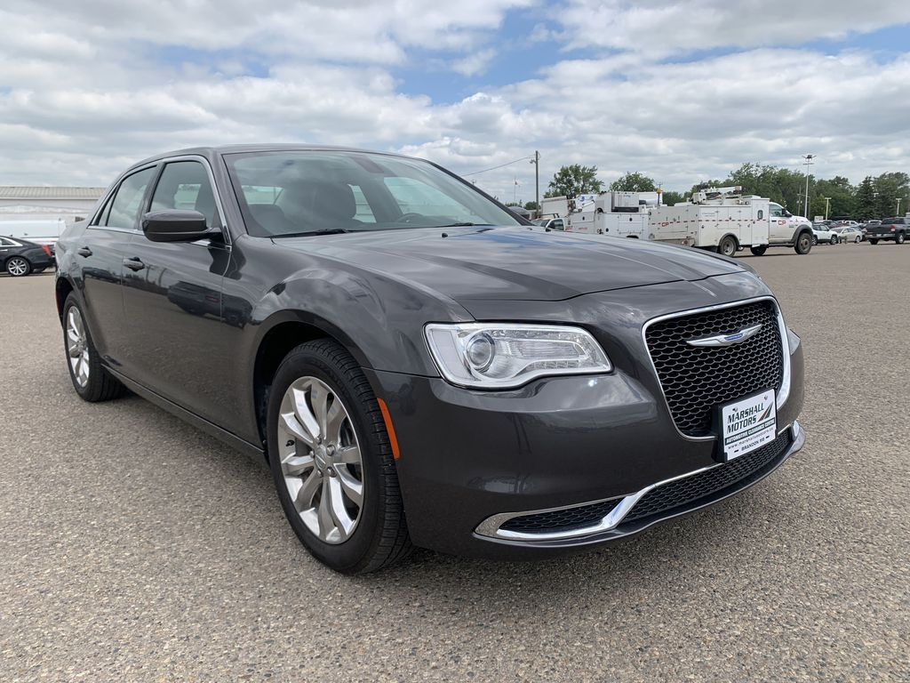 Gray[Granite Crystal Metallic] 2017 Chrysler 3004dr Sdn Touring AWD *Cruise* *TouchScreen* *A/C* Right Front Corner Photo in Brandon MB