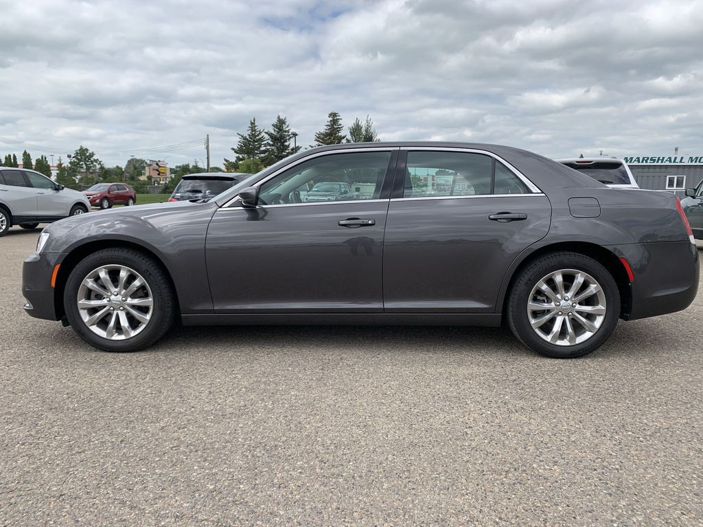 Gray[Granite Crystal Metallic] 2017 Chrysler 3004dr Sdn Touring AWD *Cruise* *TouchScreen* *A/C* Left Side Photo in Brandon MB