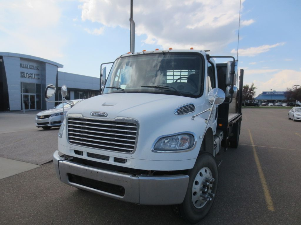 WHite 2008 Freightliner M2 106 Left Front Rim and Tire Photo in Lethbridge AB
