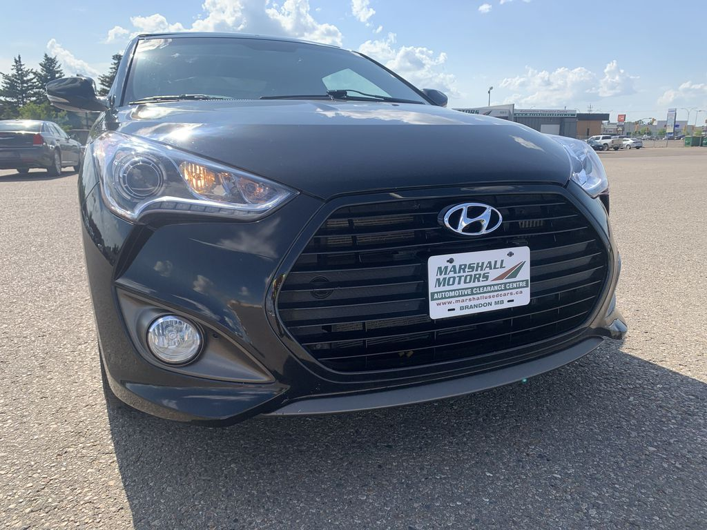 Black[Ultra Black Pearl] 2016 Hyundai Veloster 3dr Cpe Auto Turbo *Heated Seats* *NAV* *TurboCharged* Left Front Head Light / Bumper and Grill in Brandon MB