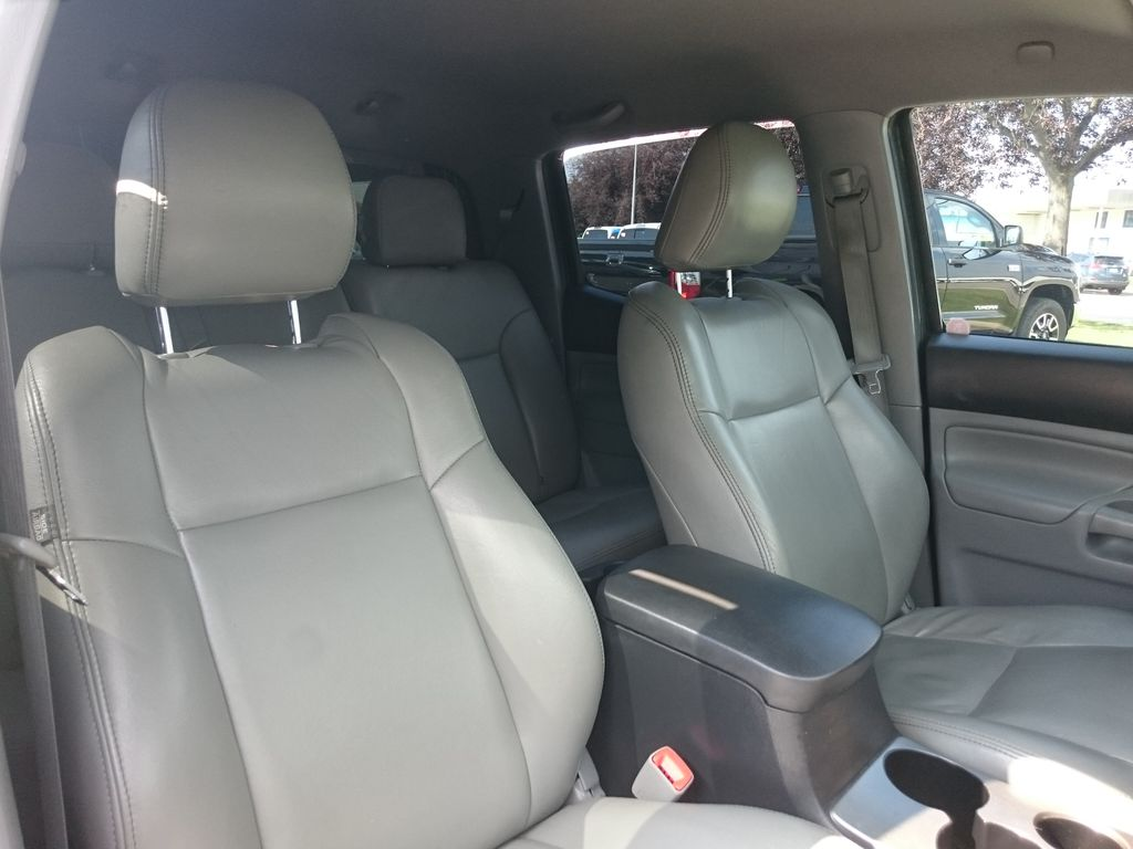 Green[Spruce Mica] 2013 Toyota Tacoma Right Side Front Seat  Photo in Kelowna BC