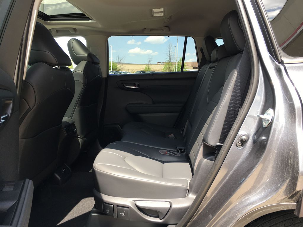 Gray[Magnetic Grey Metallic] 2021 Toyota Highlander AWD XLE Package GZRBHT AM Right Side Rear Seat  Photo in Brampton ON
