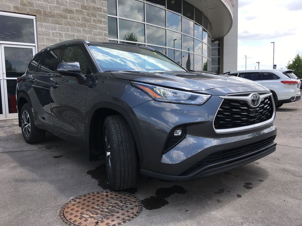 Gray[Magnetic Grey Metallic] 2021 Toyota Highlander AWD XLE Package GZRBHT AM Engine Compartment Photo in Brampton ON
