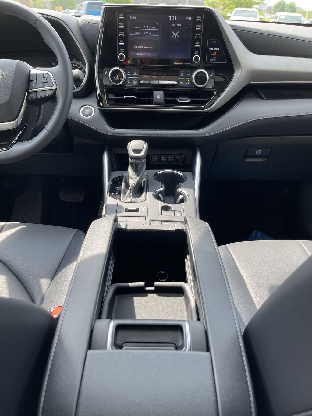 Silver[Celestial Silver Metallic] 2021 Toyota Highlander AWD XLE Standard Package GZRBHT AM Right Front Interior Door Panel Photo in Brampton ON