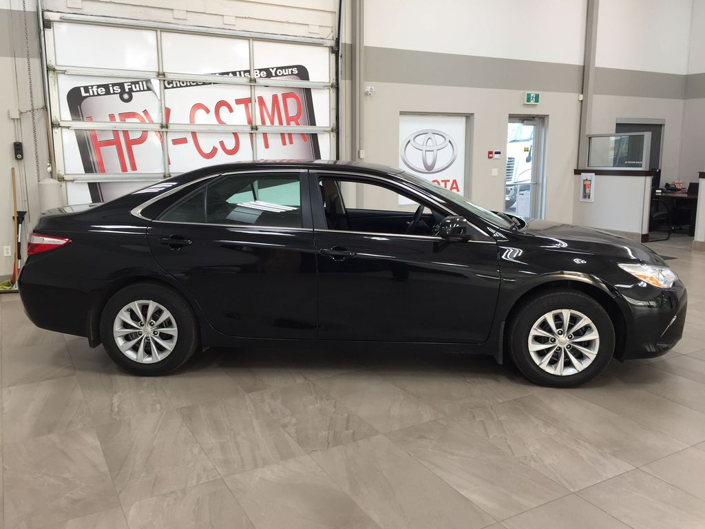 Black[Attitude Black Metallic] 2017 Toyota Camry LE / LOW KMS Right Side Photo in Sherwood Park AB