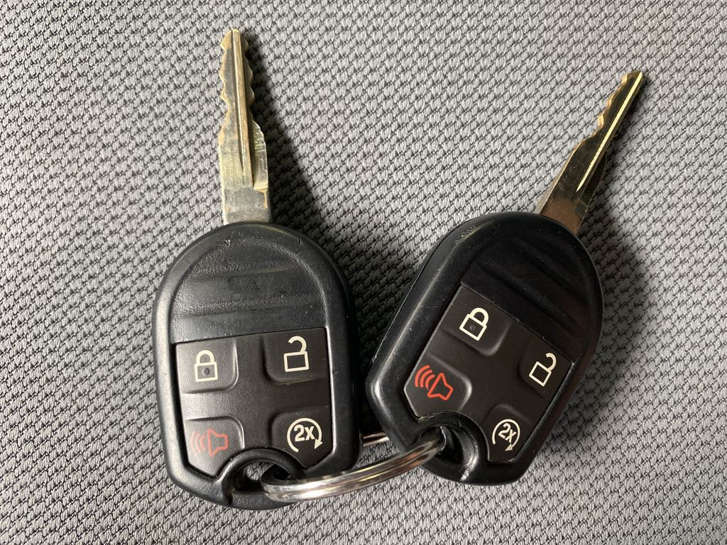 Gray[Sterling Grey Metallic] 2013 Ford F-150 Key and Fob Photo in Edmonton AB