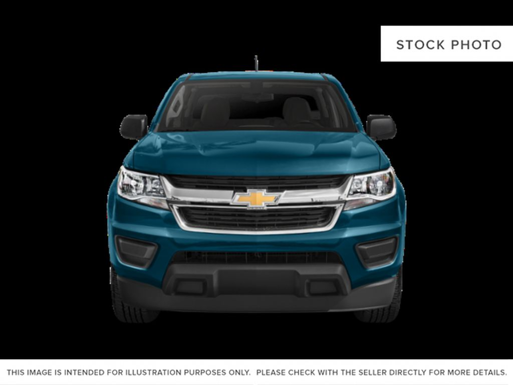 Silver[Silver Ice Metallic] 2019 Chevrolet Colorado Front Vehicle Photo in Fort Macleod AB