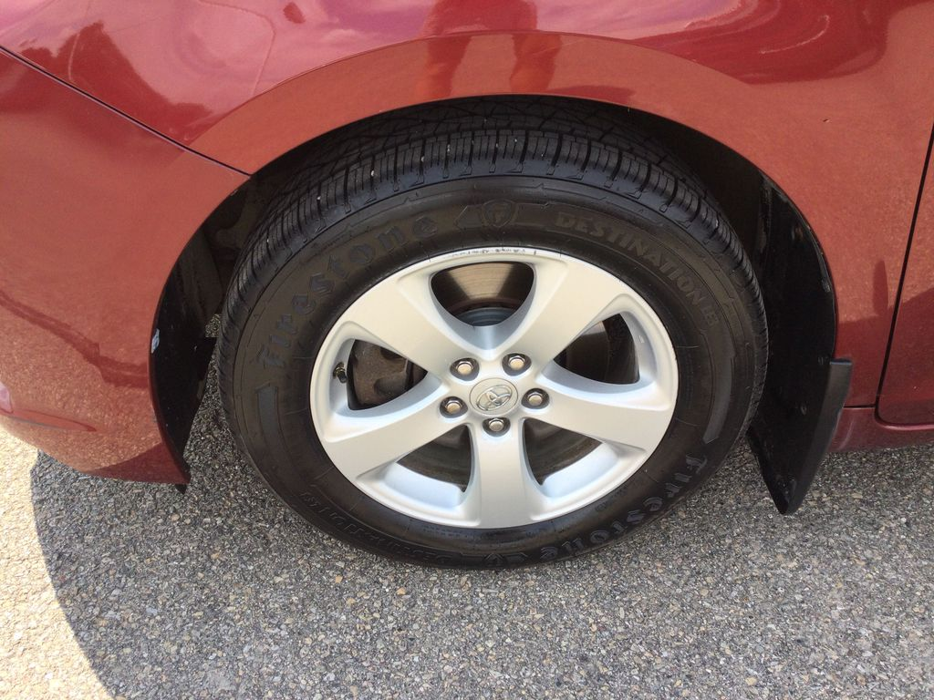 2012 Toyota Sienna Left Front Rim and Tire Photo in Brockville ON