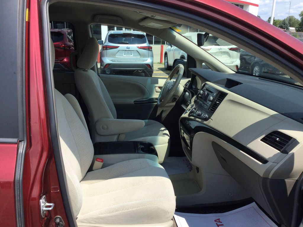 2012 Toyota Sienna Right Side Front Seat  Photo in Brockville ON