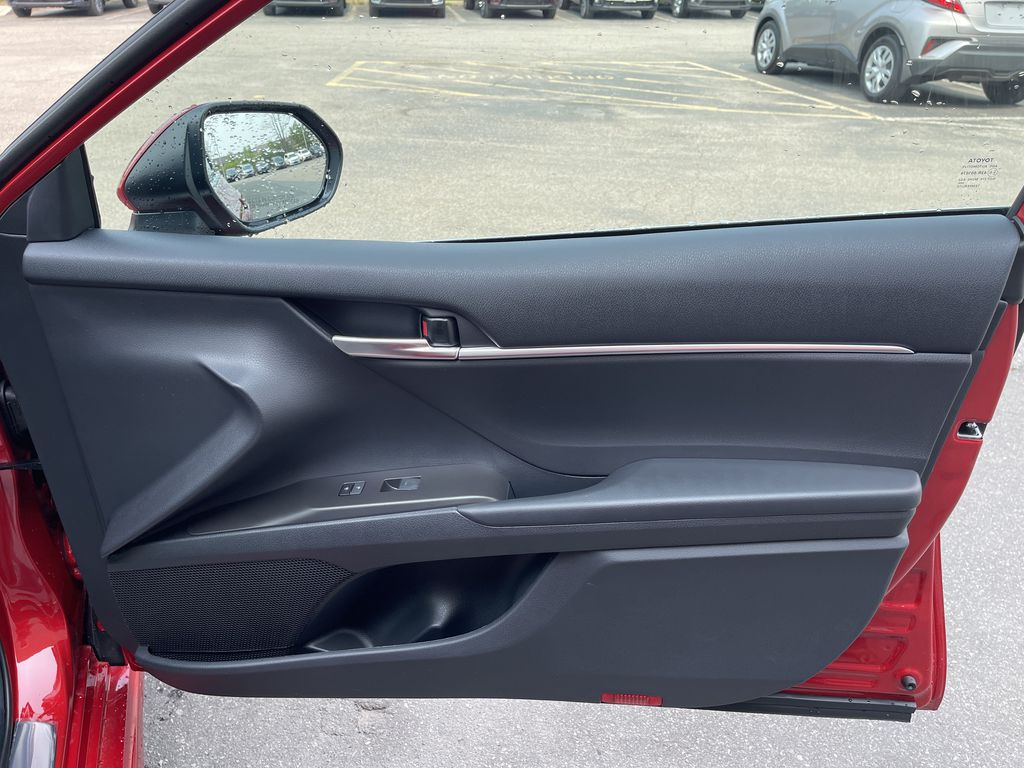 Red[Supersonic Red] 2021 Toyota Camry AWD SE UPGRADE G11BKT BD Central Dash Options Photo in Brampton ON