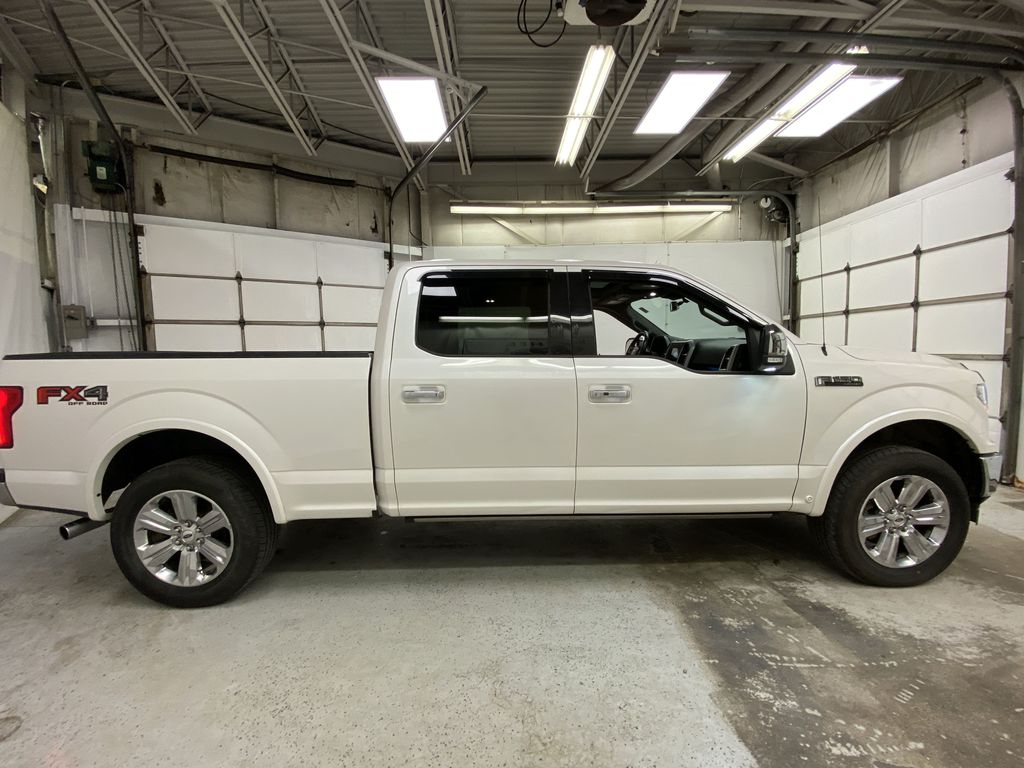 White[Oxford White] 2018 Ford F-150 Right Side Photo in Dartmouth NS