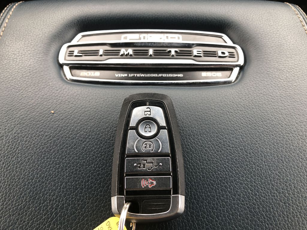 Blue[Blue Jeans Metallic] 2018 Ford F-150 Key and Fob Photo in Edmonton AB