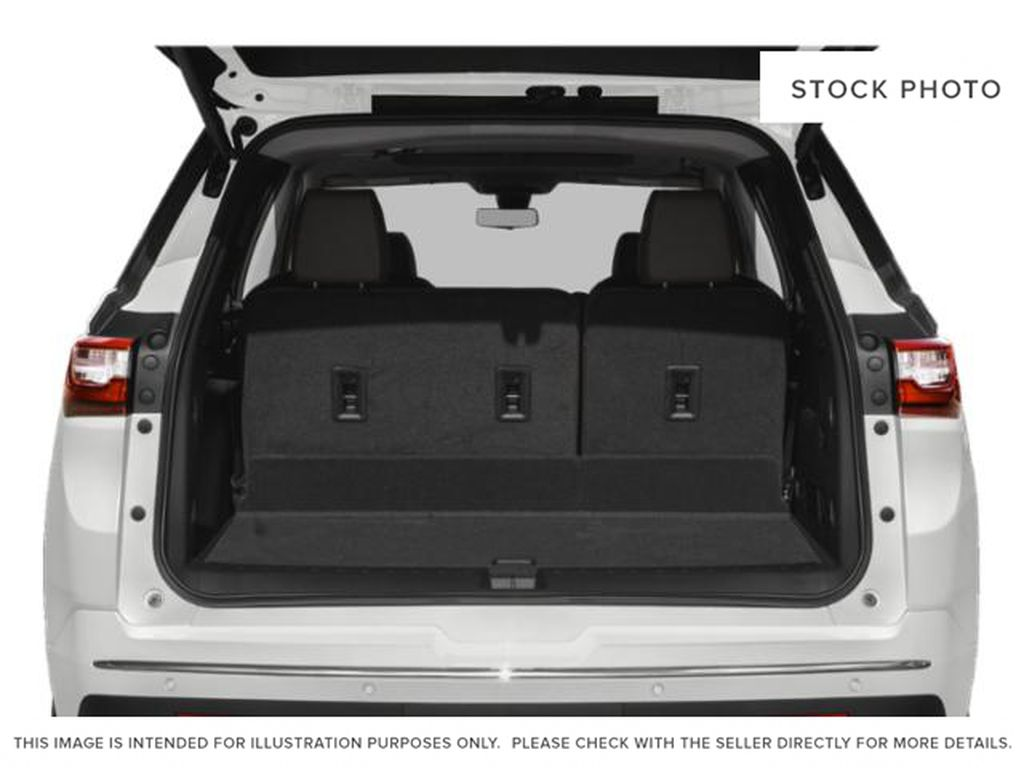 White[Iridescent Pearl Tricoat] 2019 Chevrolet Traverse Trunk / Cargo Area Photo in Fort Macleod AB