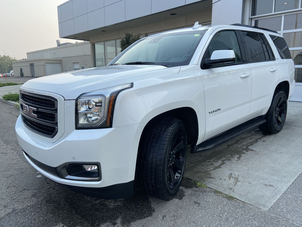 White[White Frost Tricoat] 2019 GMC Yukon SLT Left Front Head Light / Bumper and Grill in Calgary AB