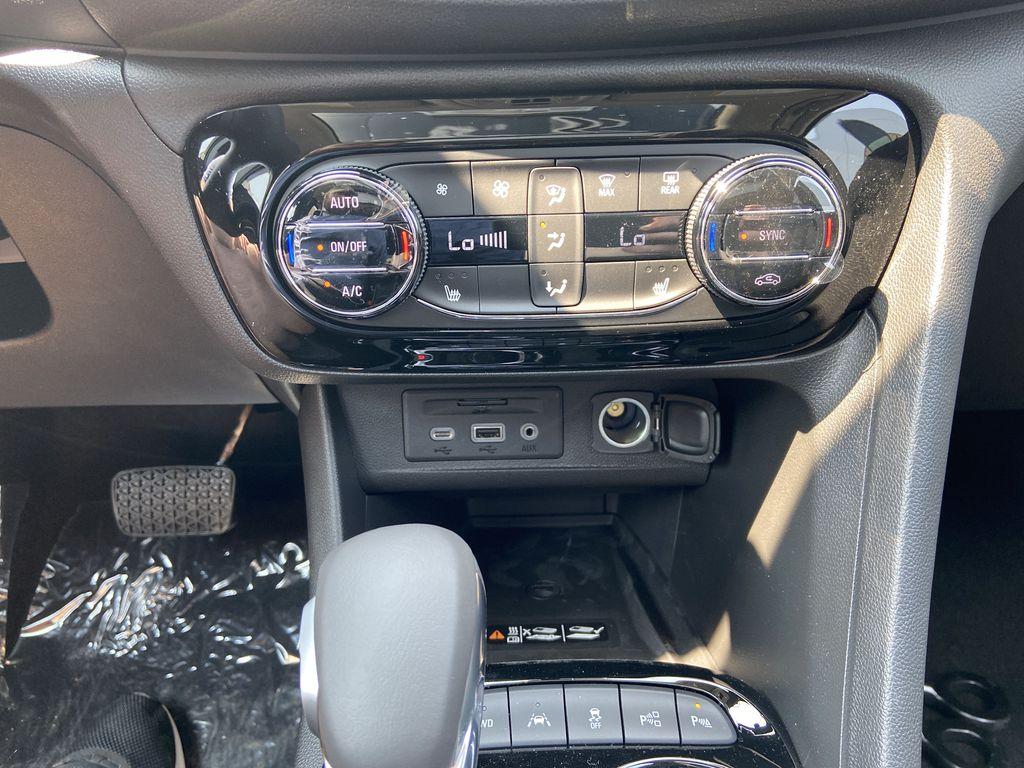 Black[Ebony Twilight Metallic] 2022 Buick Encore GX Essence Central Dash Options Photo in Calgary AB