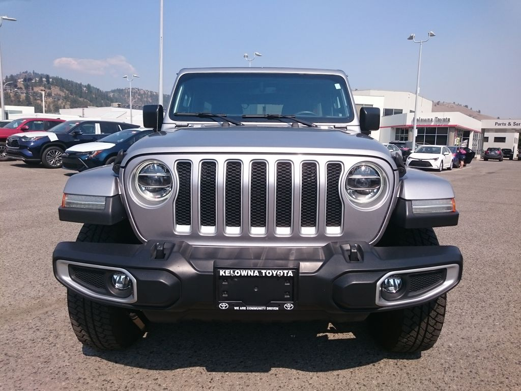 Silver[Billet Metallic] 2018 Jeep Wrangler Unlimited Front Vehicle Photo in Kelowna BC