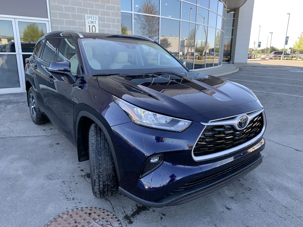 Blue[Blueprint] 2021 Toyota Highlander AWD XLE Package GZRBHT AK Engine Compartment Photo in Brampton ON