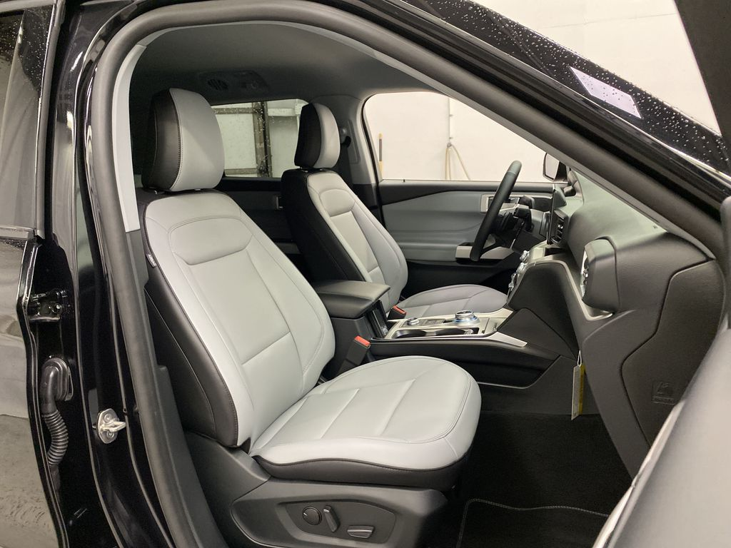 Black[Agate Black Metallic] 2021 Ford Explorer Right Side Front Seat  Photo in Dartmouth NS