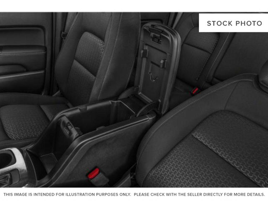 2021 GMC Canyon Center Console Photo in Medicine Hat AB