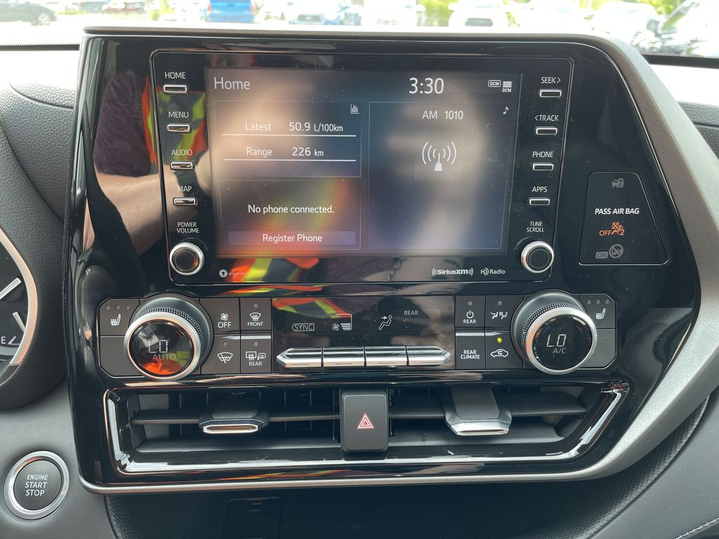 Silver[Celestial Silver Metallic] 2021 Toyota Highlander AWD XLE Package GZRBHT AM Rear of Vehicle Photo in Brampton ON