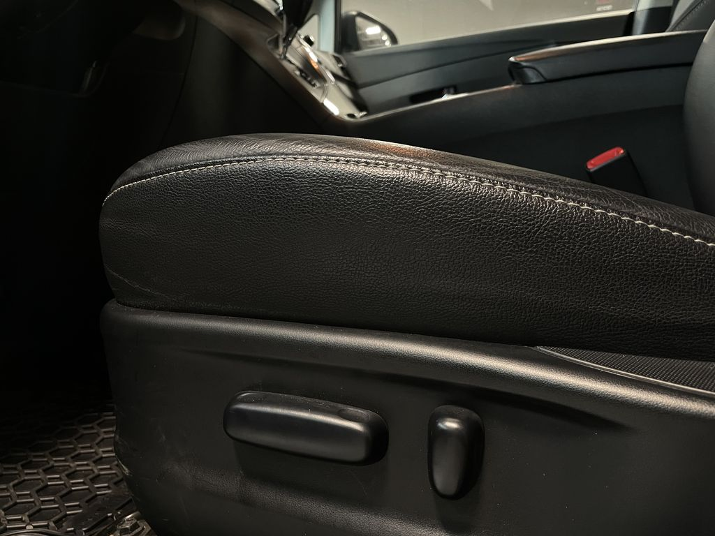 Gray 2014 Toyota Venza XLE AWD Right Side Front Seat  Photo in Edmonton AB