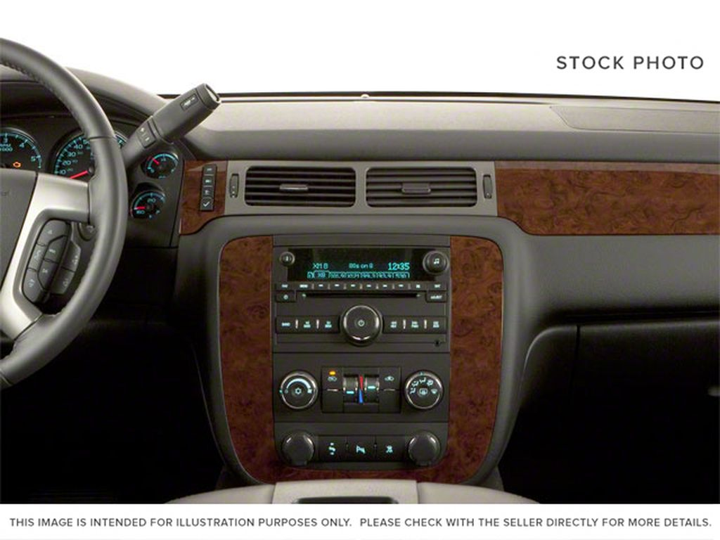 Brown 2010 Chevrolet Avalanche Central Dash Options Photo in Westlock AB