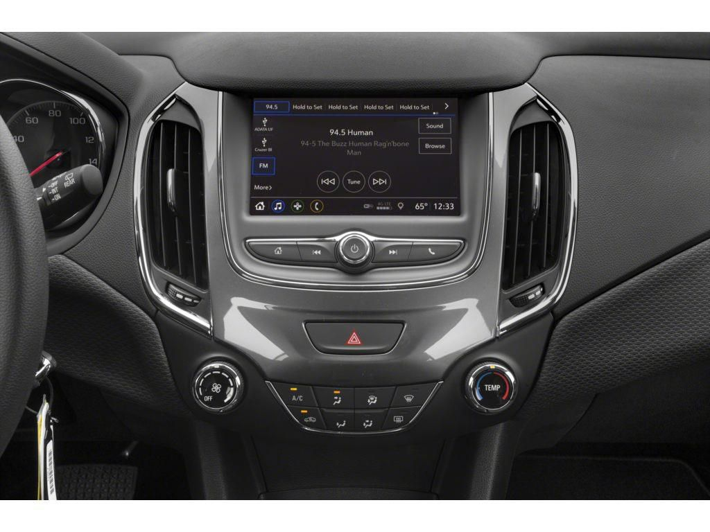 Silver 2019 Chevrolet Cruze Sunroof Photo in Westlock AB