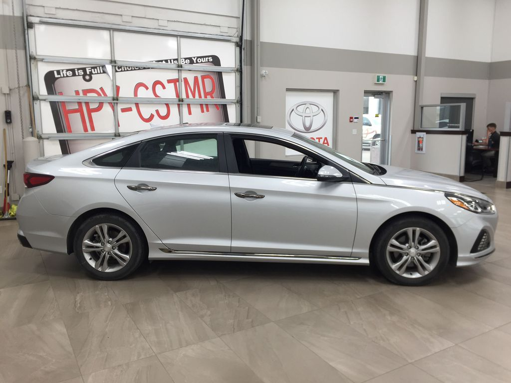 Silver[Platinum Silver] 2019 Hyundai Sonata SPORT PACKAGE Right Side Photo in Sherwood Park AB