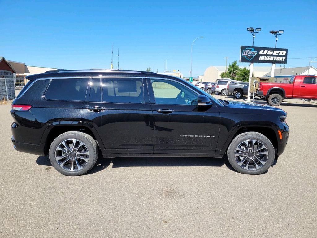 Black 2021 Jeep Grand Cherokee L Left Front Interior Photo in Fort Macleod AB