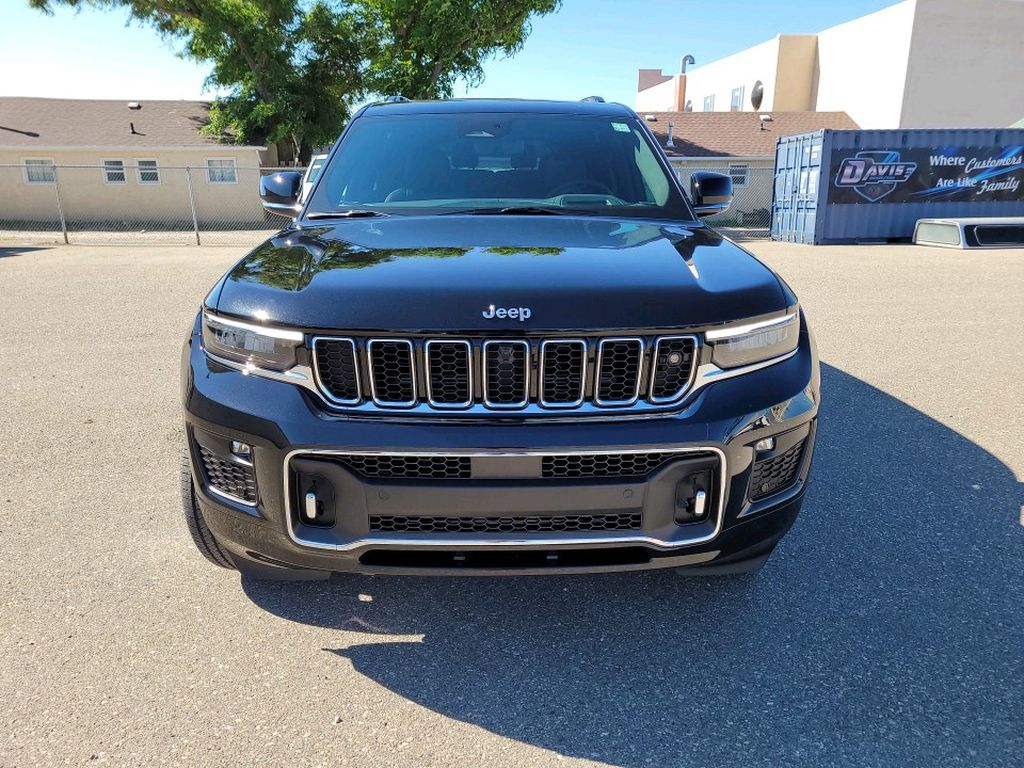 Black 2021 Jeep Grand Cherokee L Left Front Corner Photo in Fort Macleod AB