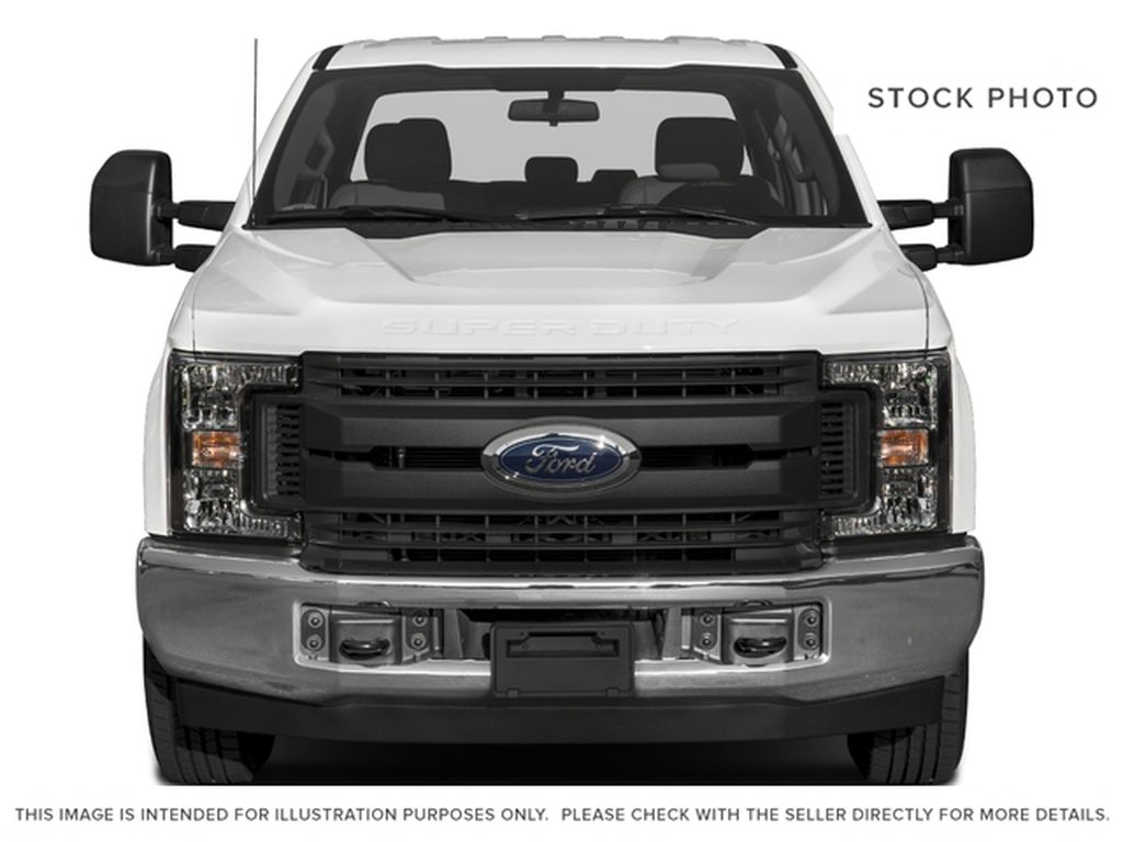 White[Oxford White] 2017 Ford Super Duty F-350 SRW Front Vehicle Photo in Fort Macleod AB