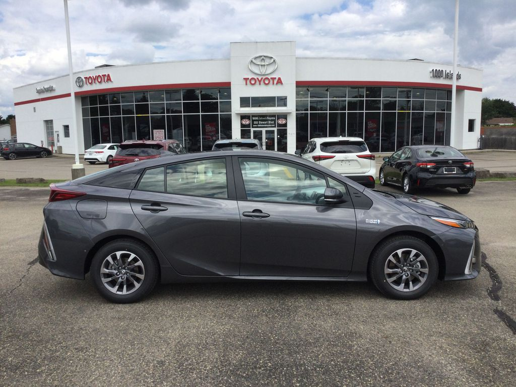 Gray[Magnetic Grey Metallic] 2022 Toyota Prius Prime Right Side Photo in Brockville ON