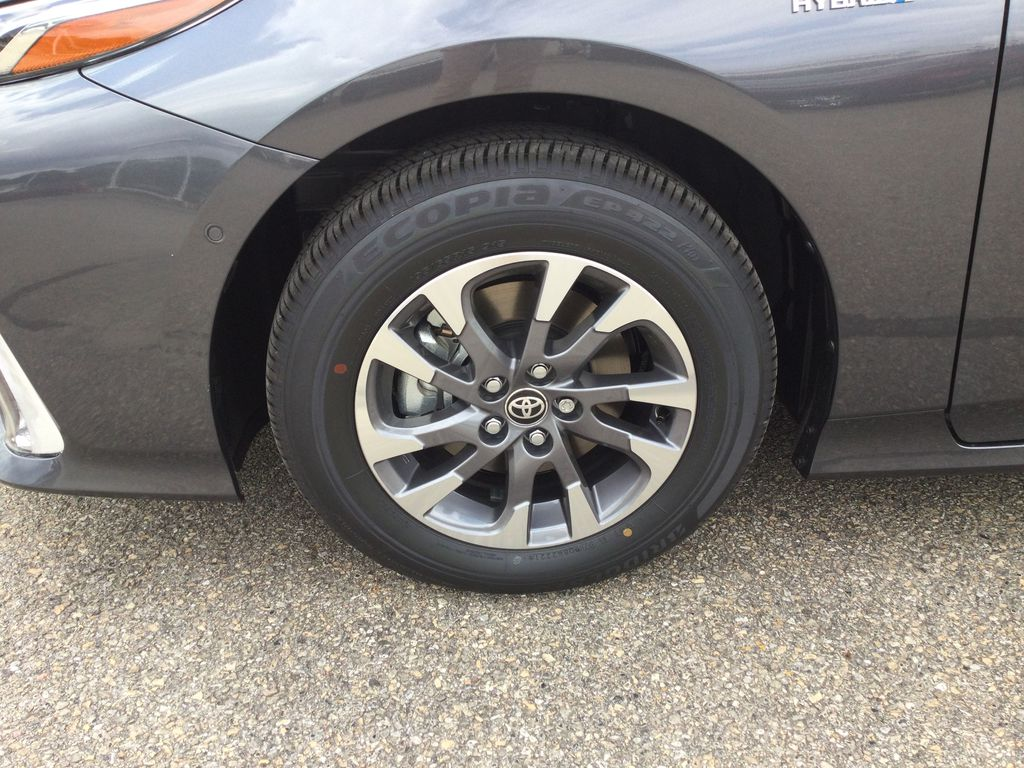 Gray[Magnetic Grey Metallic] 2022 Toyota Prius Prime Left Front Rim and Tire Photo in Brockville ON